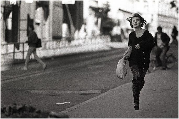 """""""la ragazza che corre"""" (di Mario Boccia)"""