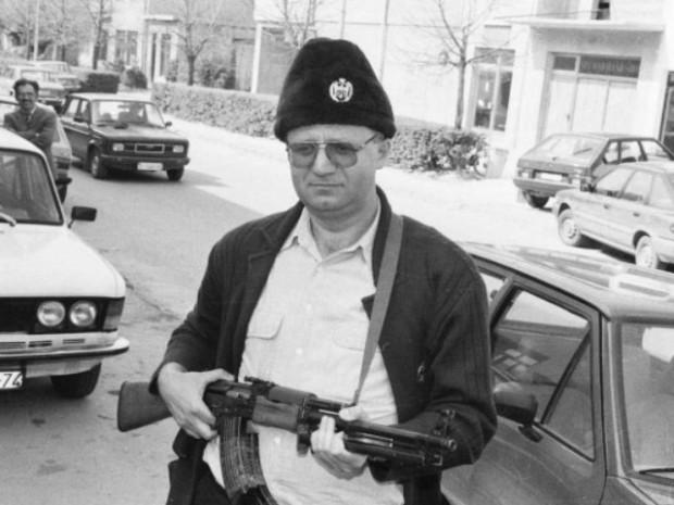 Seselj.gun.90s